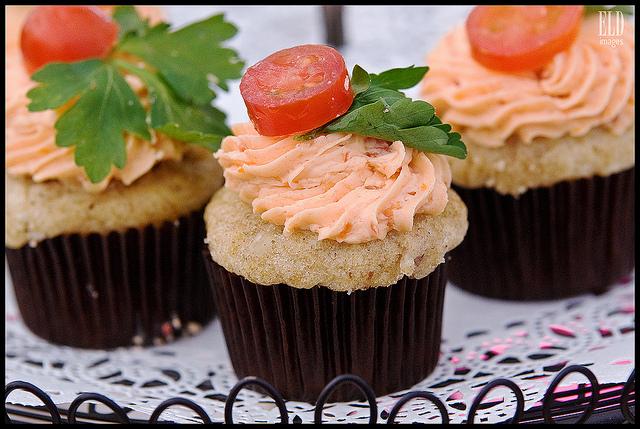 Cupcakes salés tomate basilic